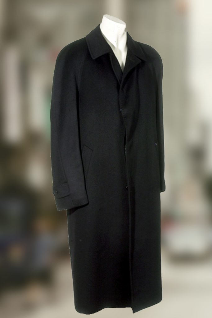 Pure Cashmere Full Length Overcoat with Raglan Sleeves for